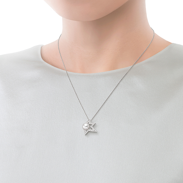 comet plus diamond Pendant